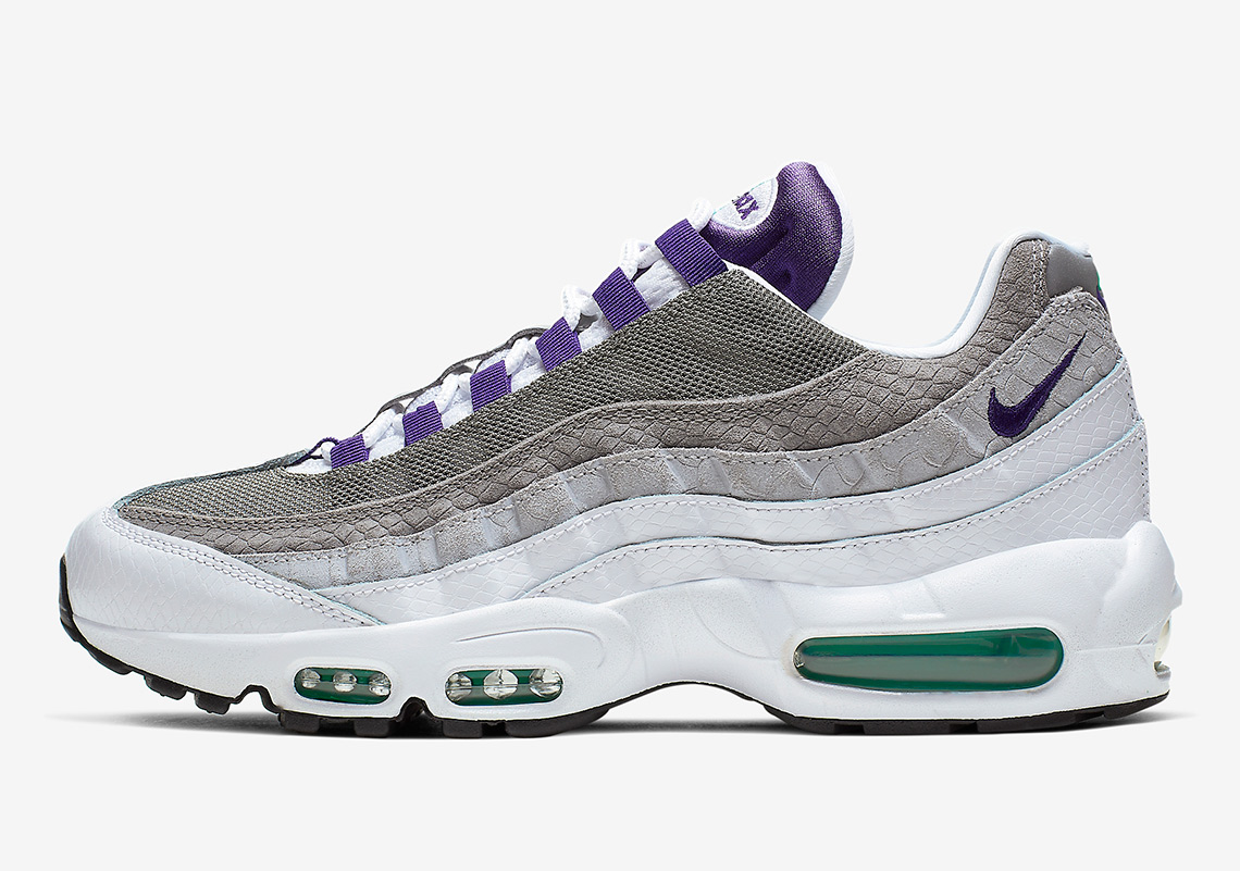 "A Detailed Look At The OG Nike Air Max 95 ""Grape"