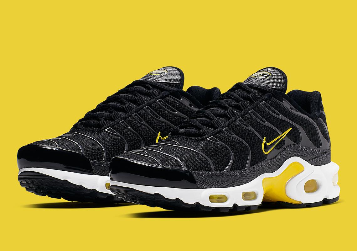Nike Air Max Plus Black Yellow CN0142
