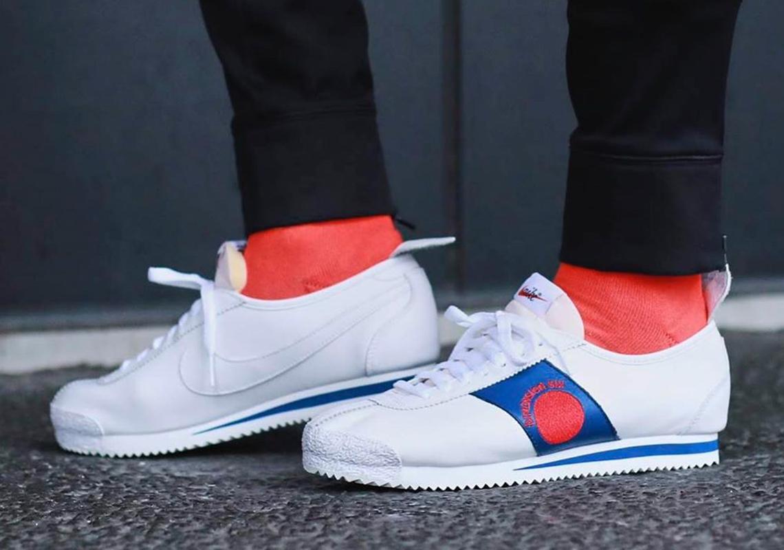Nike Cortez Shoe Dog Pack Official