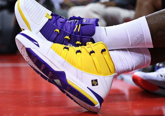 "LeBron James Debuts Nike LeBron 3 ""Lakers"" PE"