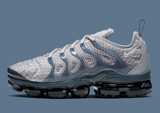 "Nike's Warped Grid Pattern Returns On The Vapormax Plus ""Wolf Grey"""