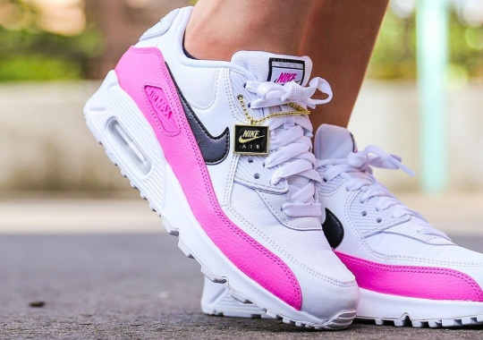 """The Nike Air Max 90 """"China Rose"""" Comes With A Logo Pendant"""