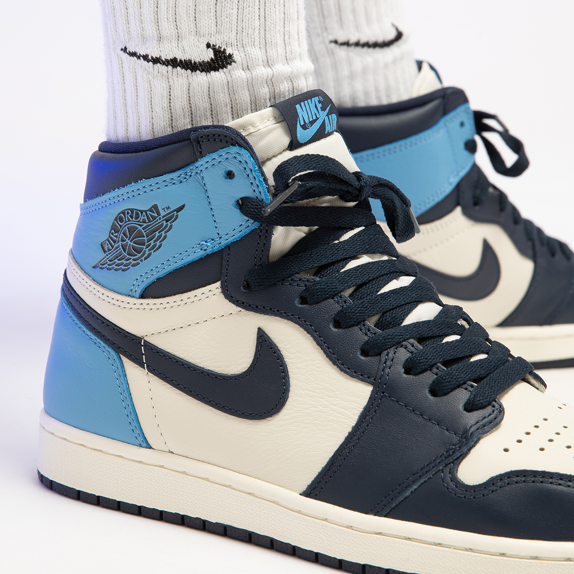Jordan 1 Unc Obsidian 555088 140 Store List Sneakernews Com