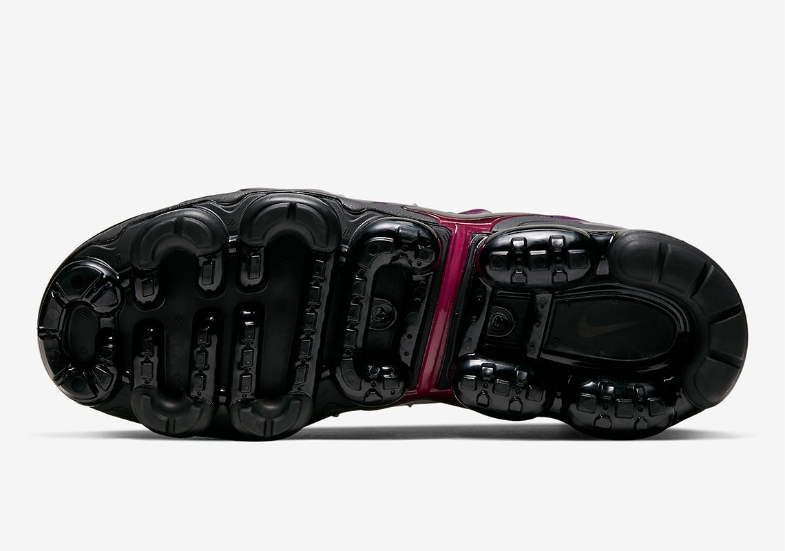 Nike Vapormax Plus Black Noble Red 924453 021 |
