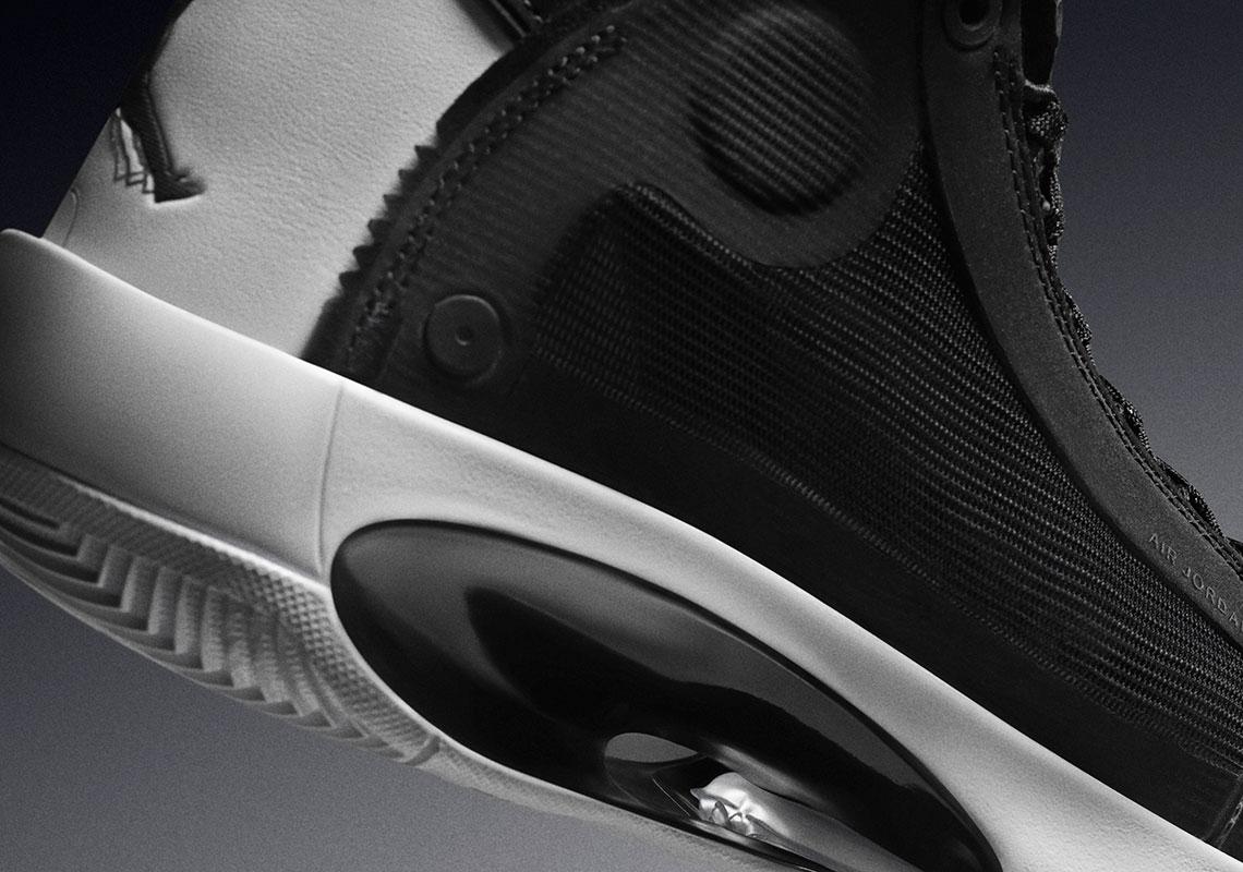 nowy wygląd delikatne kolory świetna jakość Air Jordan 34 Eclipse Black White AR3240-001 | SneakerNews.com