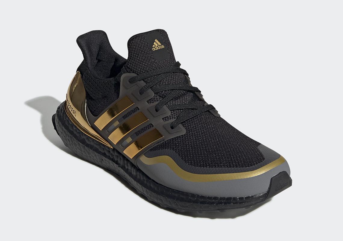 adidas Ultra Boost Black Gold EG8102 |