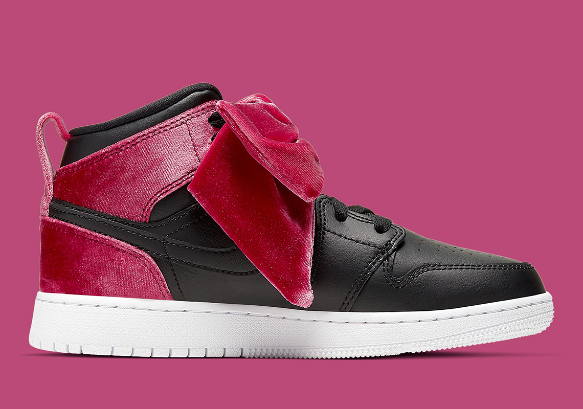 sklep internetowy na stopach o delikatne kolory Air Jordan 1 Mid Bow CK5678-006 Release Info | SneakerNews.com