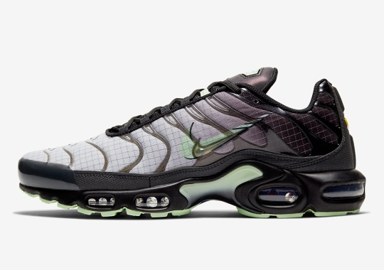 This Nike Air Max Plus In Black And Mint Is Not Shy About The Details