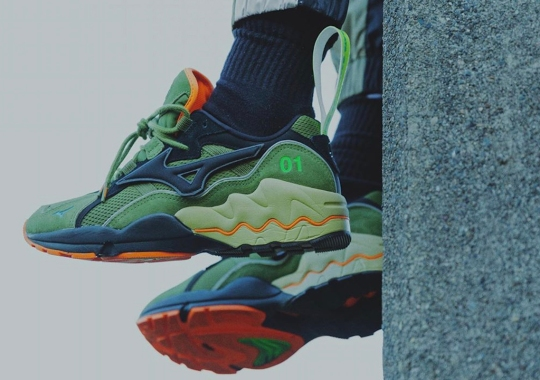 mita sneakers Links With 24Karats For The Mizuno Wave Rider 1
