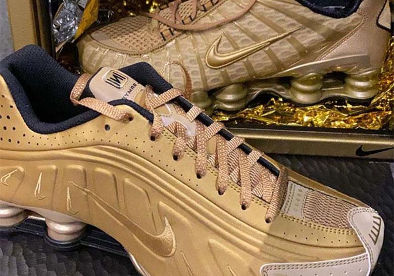 Neymar Jr. Nike Shox R4 TL Gold   SneakerNews.com