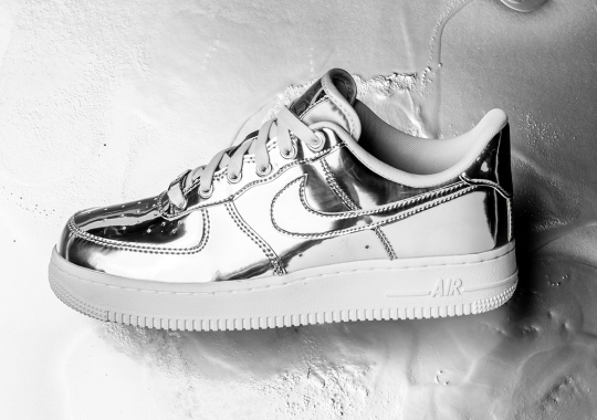 "Detailed Look At The Nike Air Force 1 SP ""Liquid Silver"""