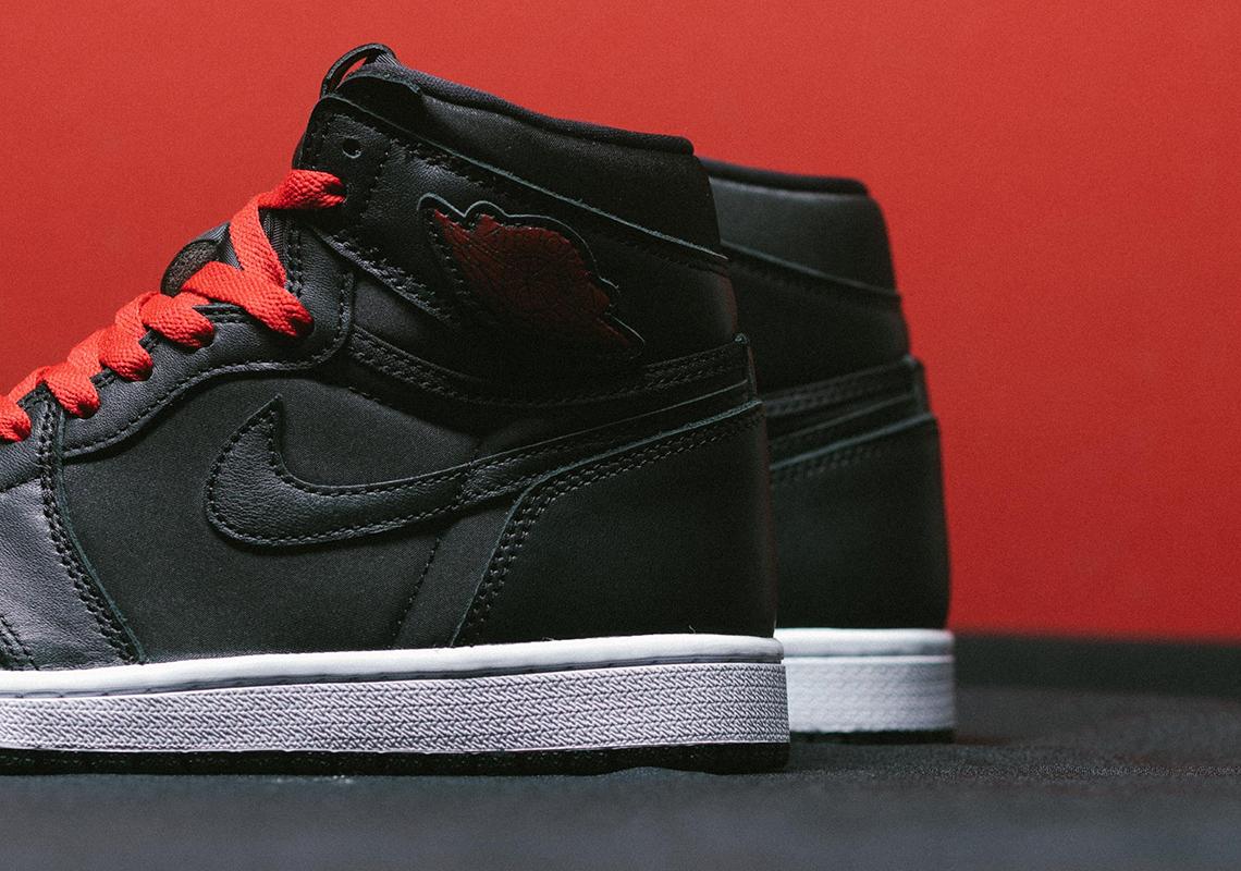 Air Jordan 1 High Black Satin 555088 060 Sneakernews Com