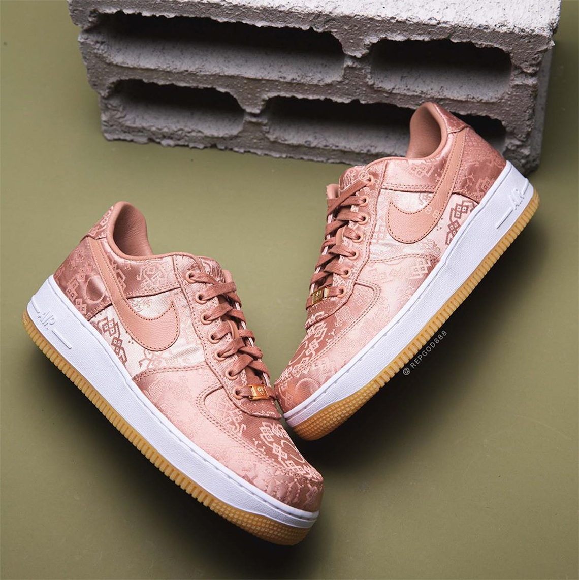 nike air force 1 pink gold