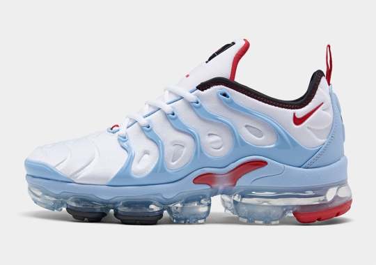 The Nike Vapormax Plus Pairs Up Blends University Red And Psychic Blue