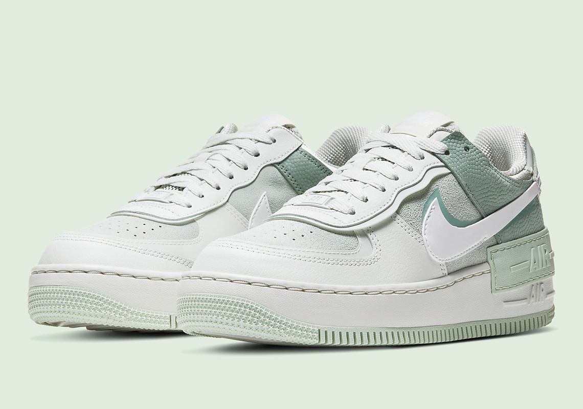 Nike Air Force 1 Shadow Spruce Aura Cw2655 001 Release Info Sneakernews Com The nike air force shadow was initially designed to be a performance basketball shoe, to be worn on hardcourt and with features to help athletes grab air and improve movement. nike air force 1 shadow spruce aura