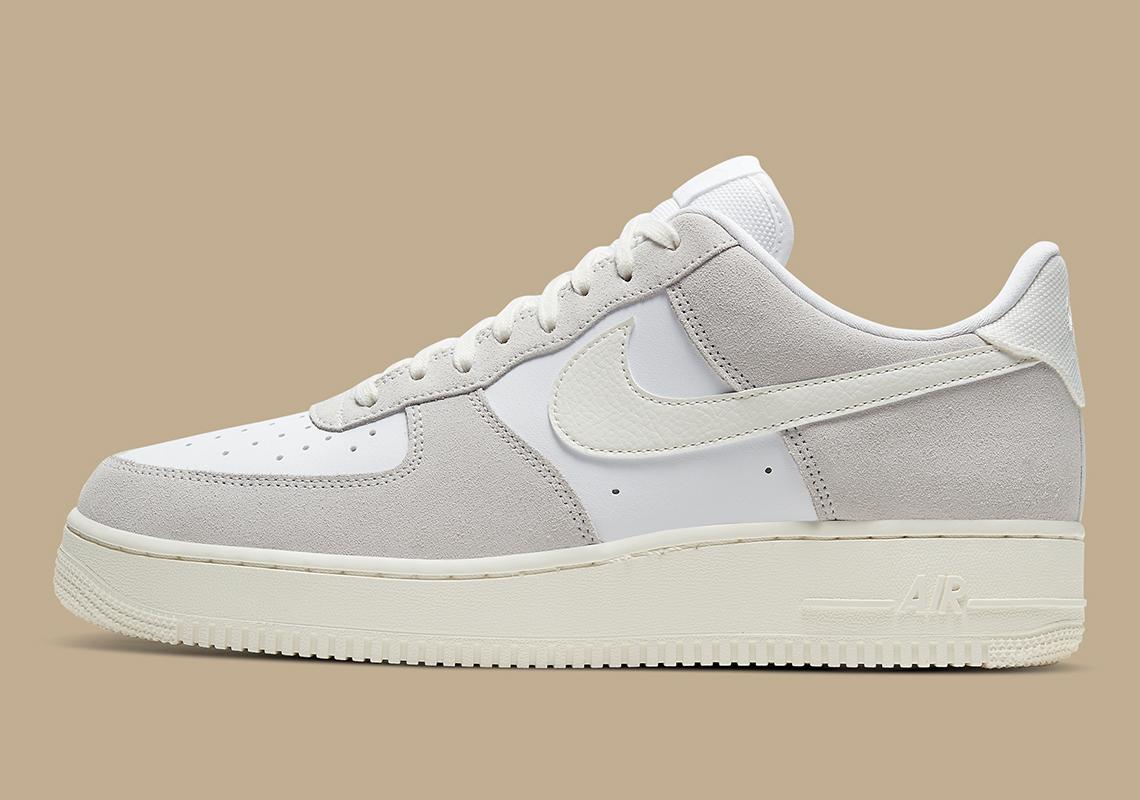 blanco error debajo  Nike Air Force 1 Low White Sail CW7584-100 | SneakerNews.com