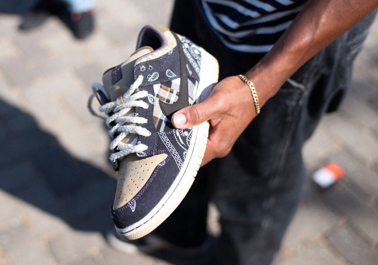 Where To Buy The Travis Scott x Nike SB Dunk Low (Updated 2/25)