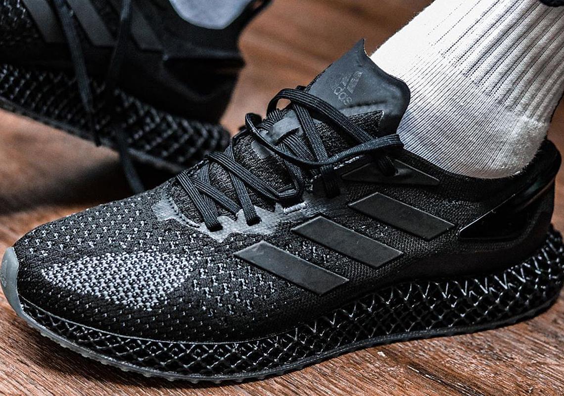 triple black adidas shoes