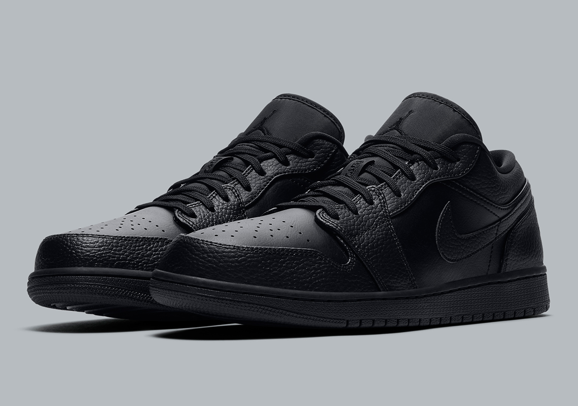 Air Jordan 1 Low Triple Black 553558