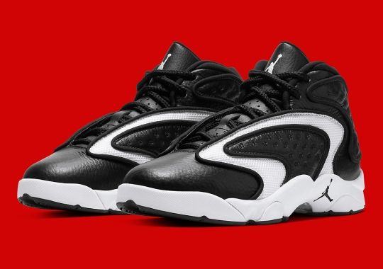 "The Air Jordan Womens OG Adapts A ""Black Toe"" Look"
