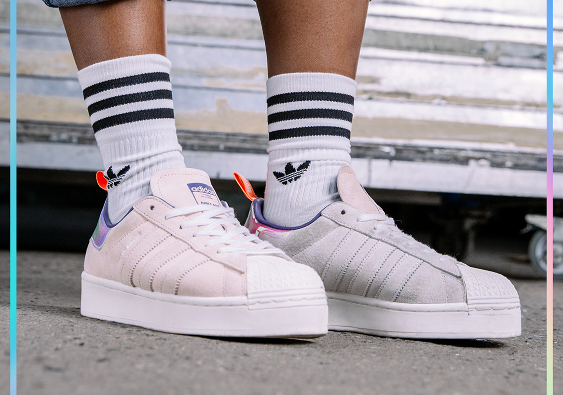 Girls Are Awesome adidas Superstar 2020