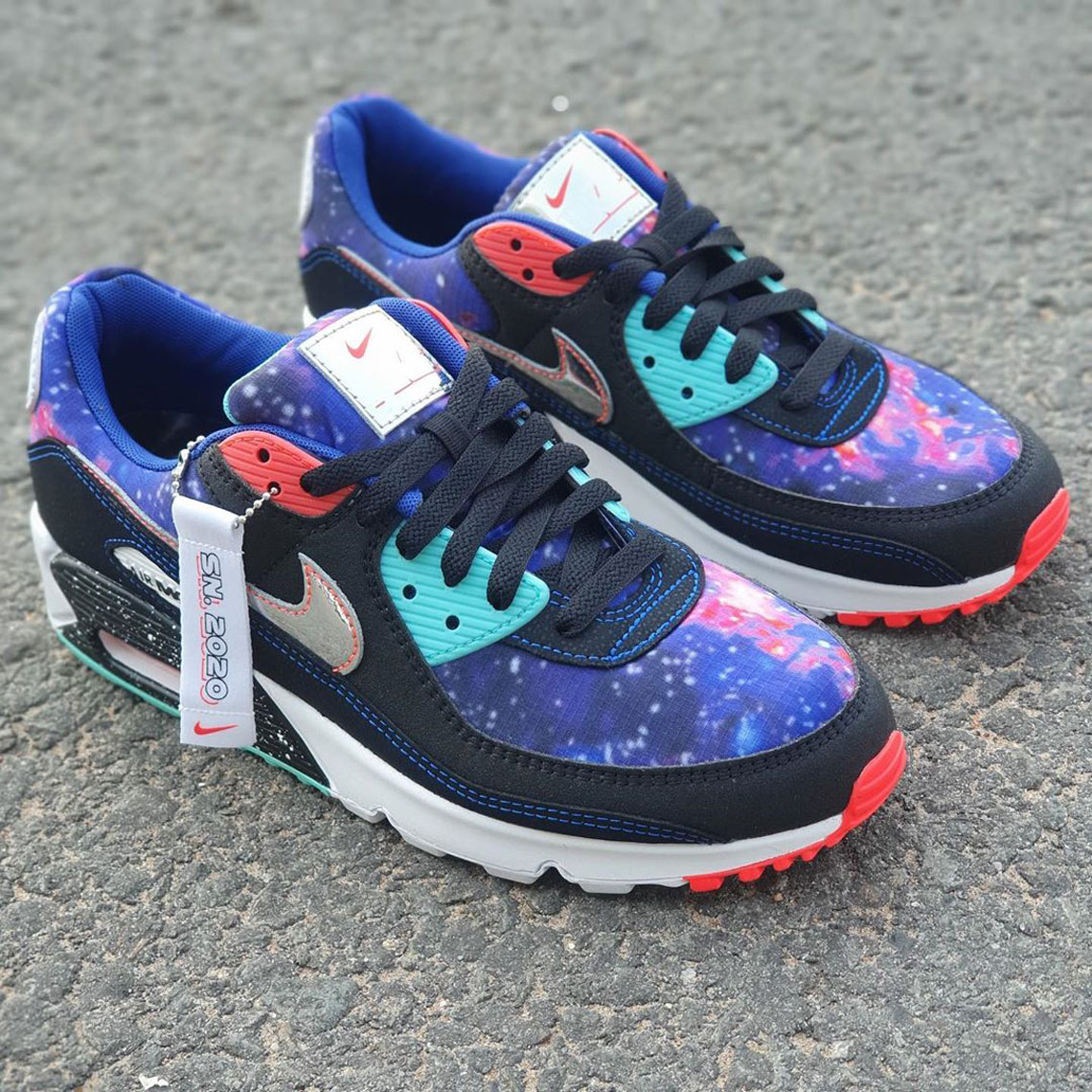 beneficioso Accor Ellos  Nike Air Max 90 Galaxy CW6018-001 Release Date | SneakerNews.com