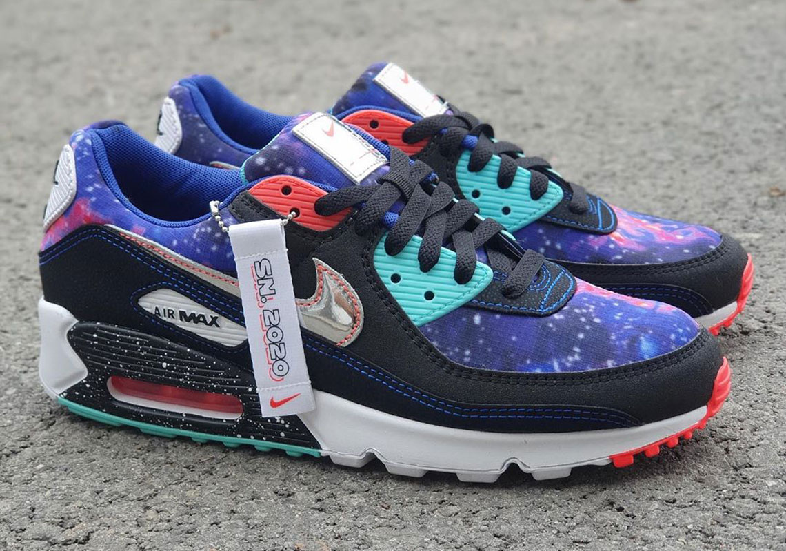 Nike Air Max 90 Galaxy Cw6018 001 Release Date Sneakernews Com