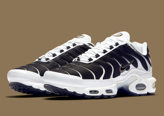 The Nike Air Max Plus Inverses The Classic Black And White
