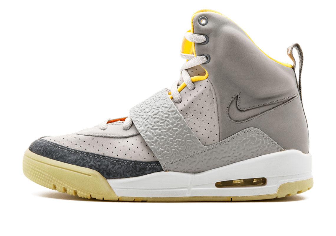fricción Islas del pacifico novela  Kanye West GQ Nike Air Yeezy Retro | SneakerNews.com