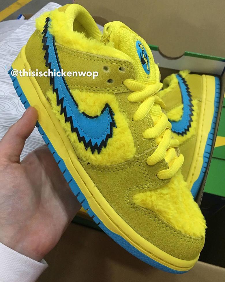 Grateful Dead Nike SB Dunk Yellow CJ5378-700 | SneakerNews.com