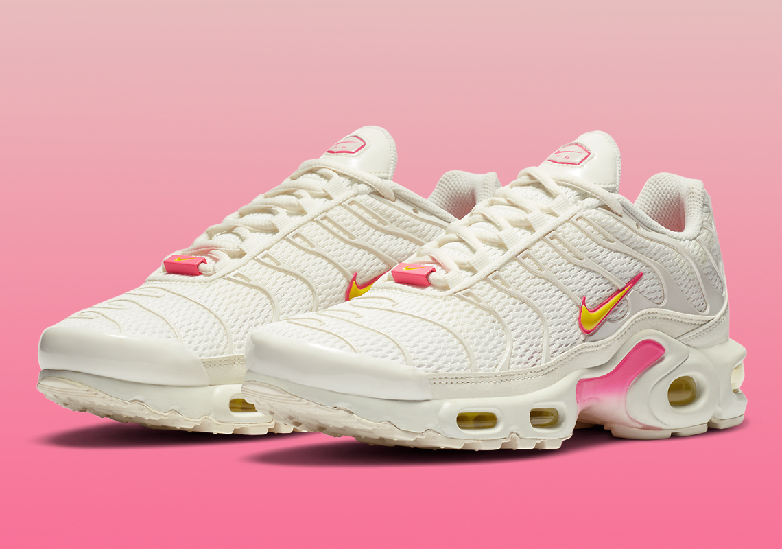 Nike Air Max Plus Cream Pink CZ0373-100