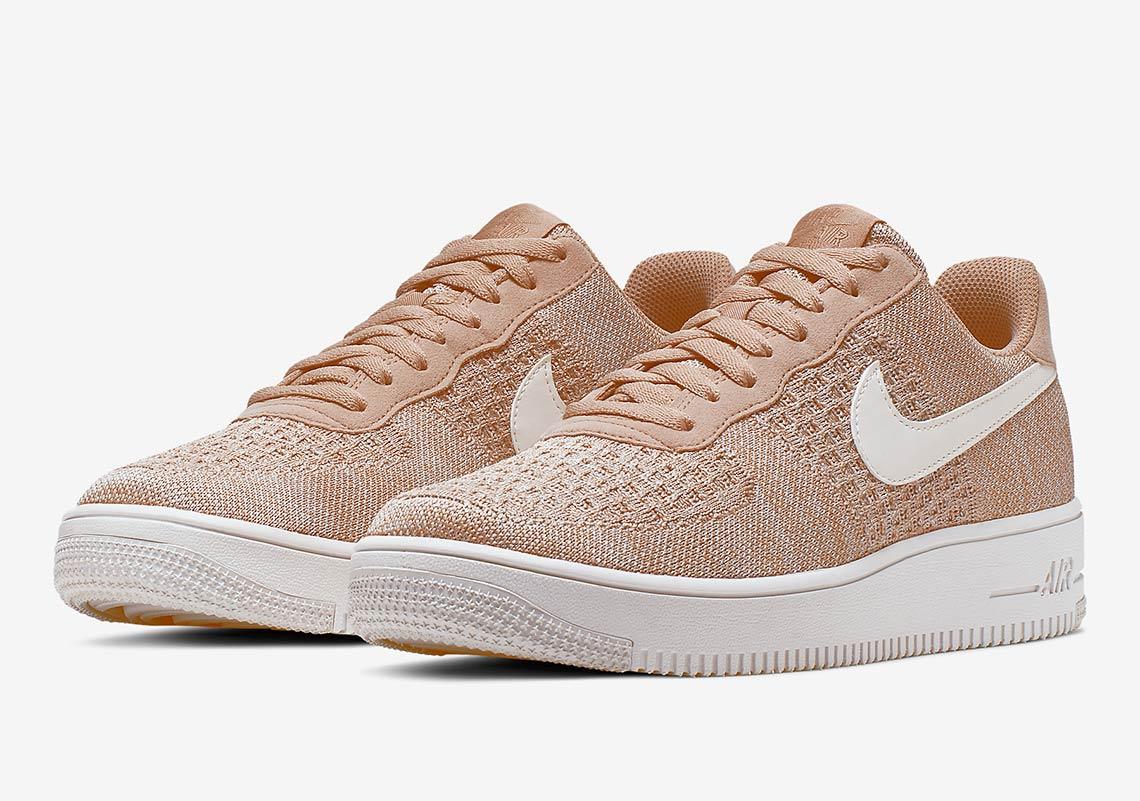 Nike Air Force 1 Flyknit beige