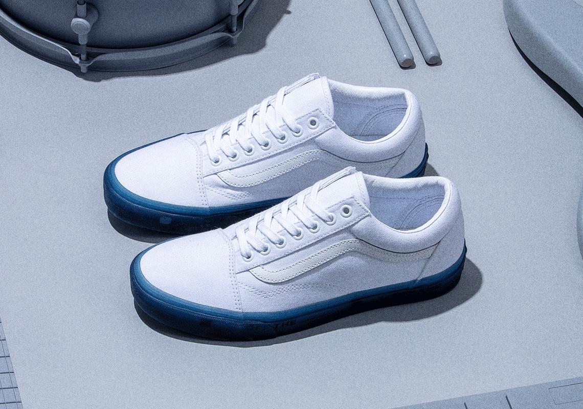 Te mejorarás preocupación Terapia  Foot Locker Vans Off the ___ Collaboration 2020 | SneakerNews.com