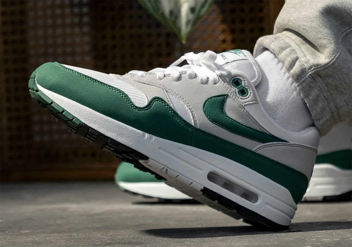 Nike Air Max 1 Evergreen Dc1454 100 Store List Sneakernews Com