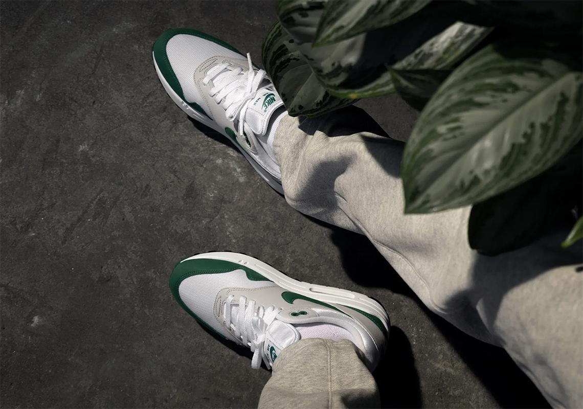 Nike Air Max 1 Evergreen DC1454-100