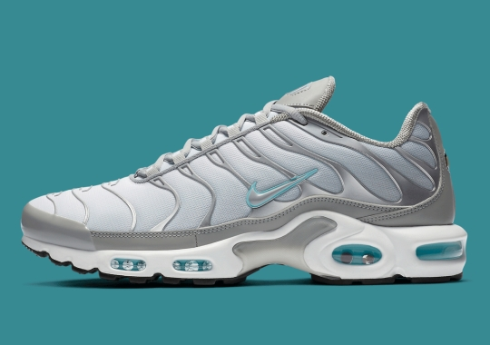 Light Smoke Grey And Glacier Blue Pair Up For The Nike Air Max Plus