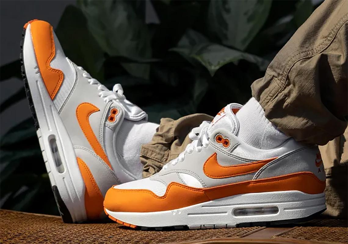 air max 1 orange