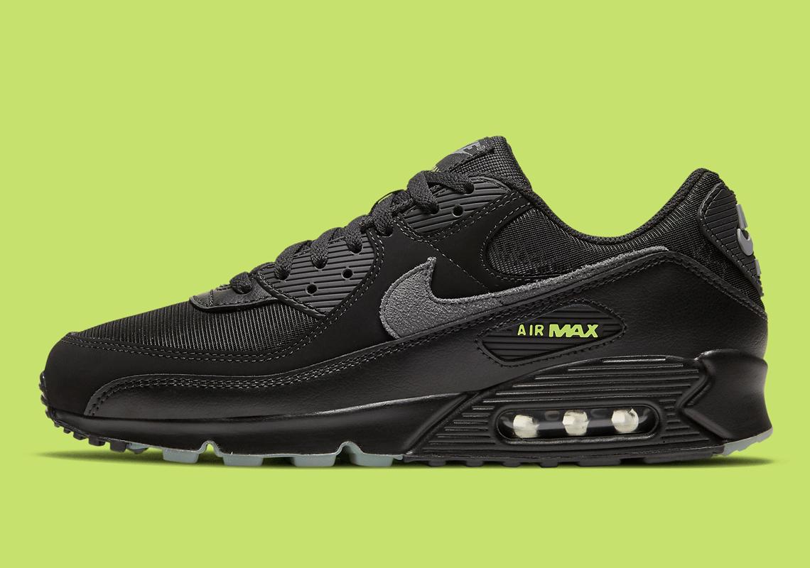 Halloween Nike Air Max 90 DC3892 001 Release Info