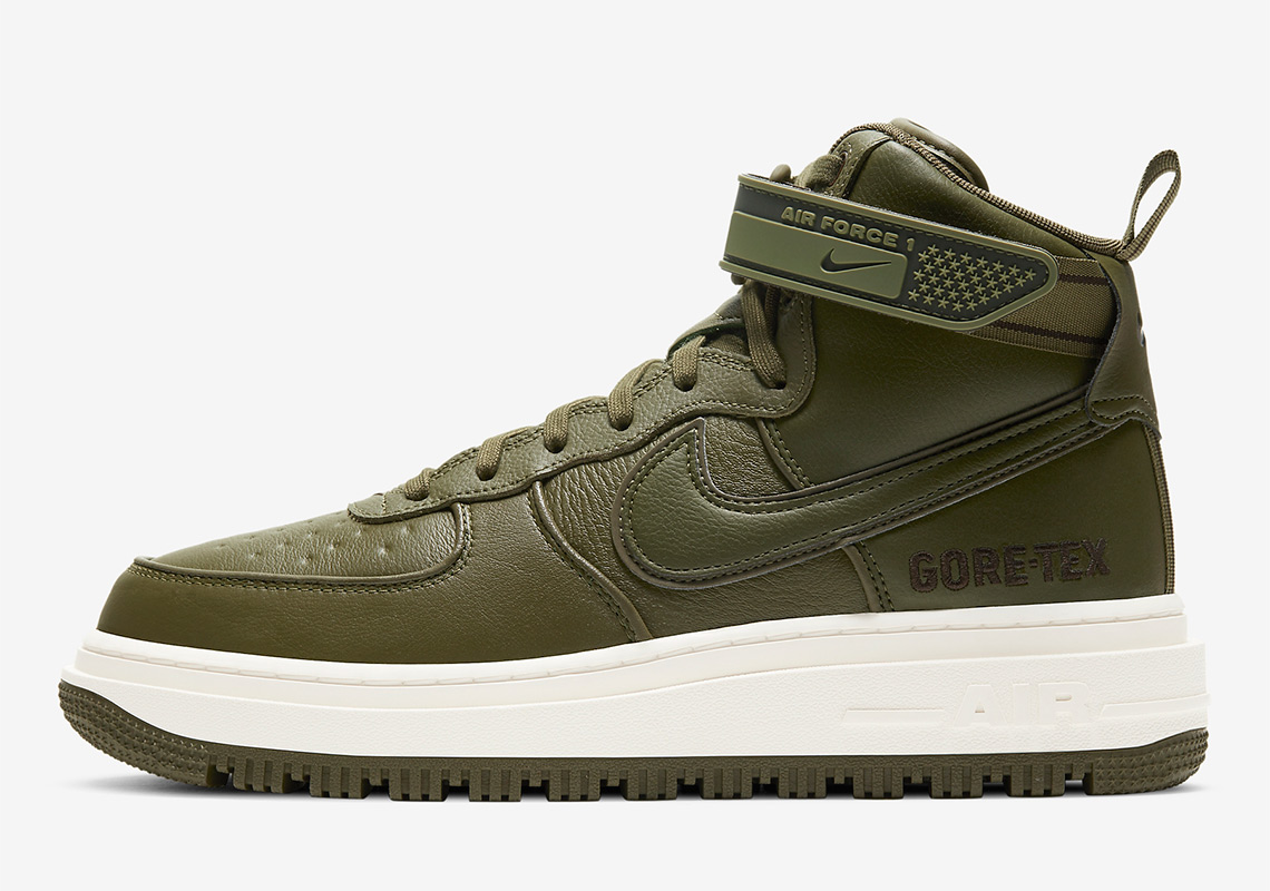 abuela compilar Desviar  Nike Air Force 1 Gore-Tex Boot CT2815-201 | SneakerNews.com