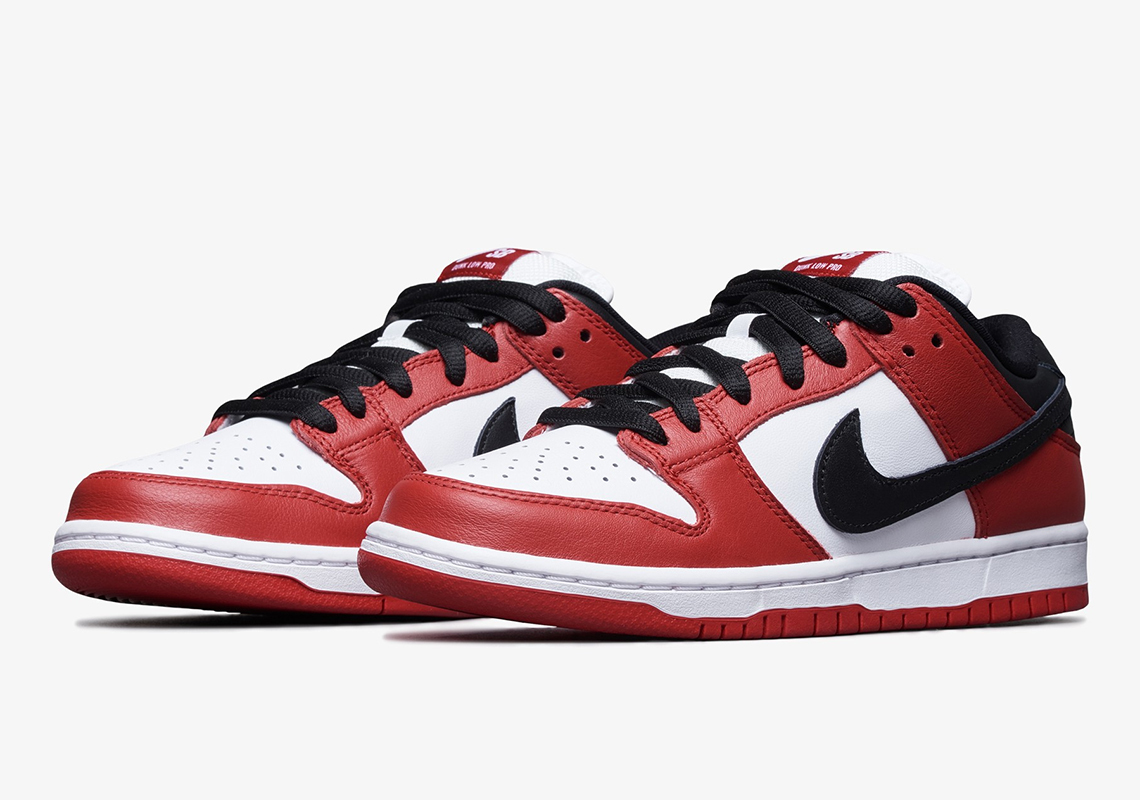 Nike SB Dunk Low 'Chicago' side