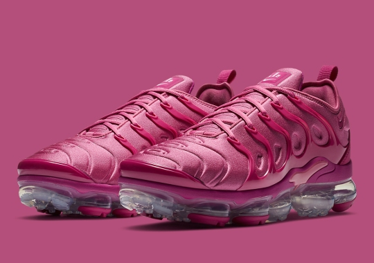 The Nike Vapormax Plus Gets A Full Berry Red Upper
