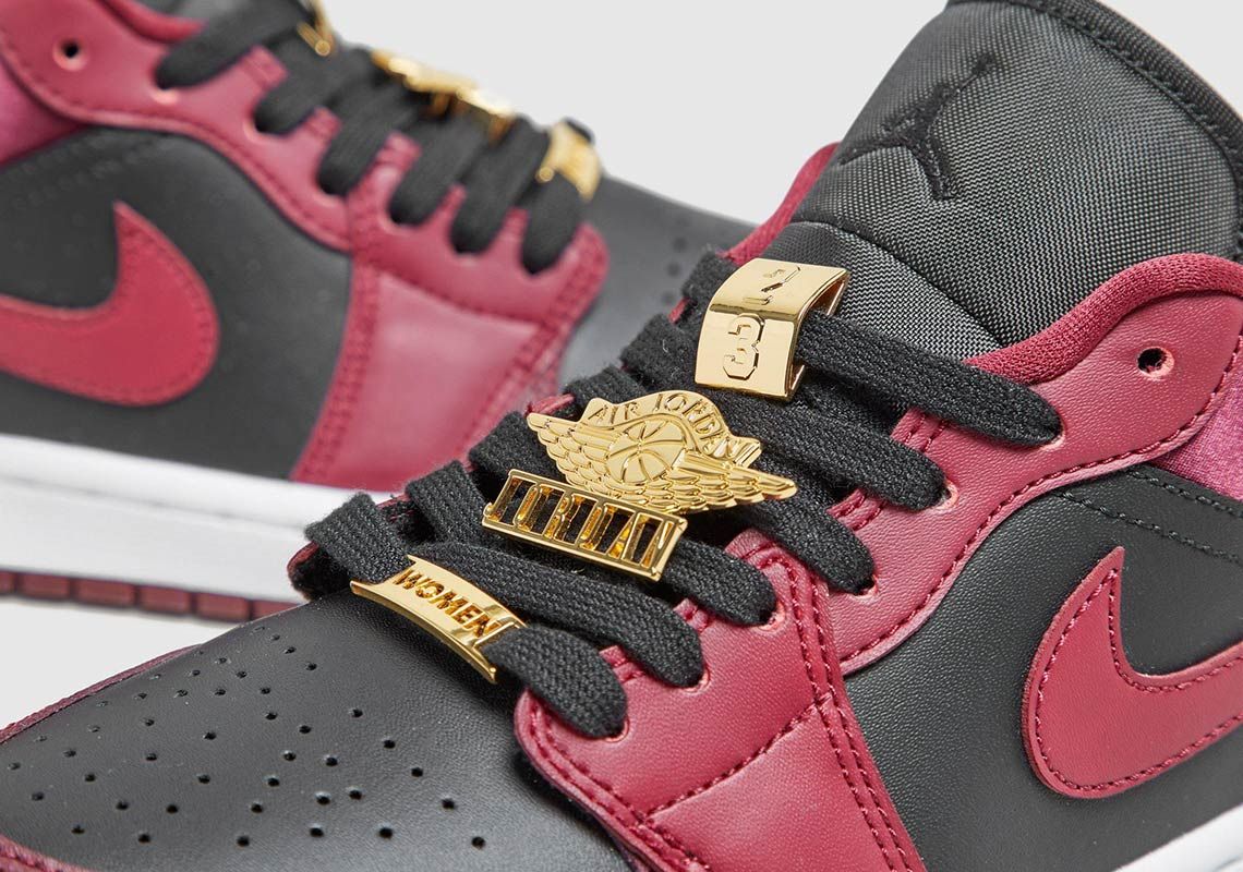 Air Jordan 1 Low WMNS Burgundy Black