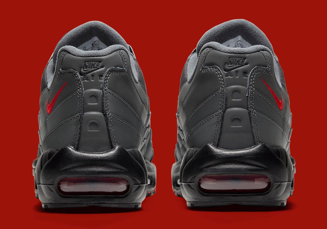 Nike Air Max 95  Rear View