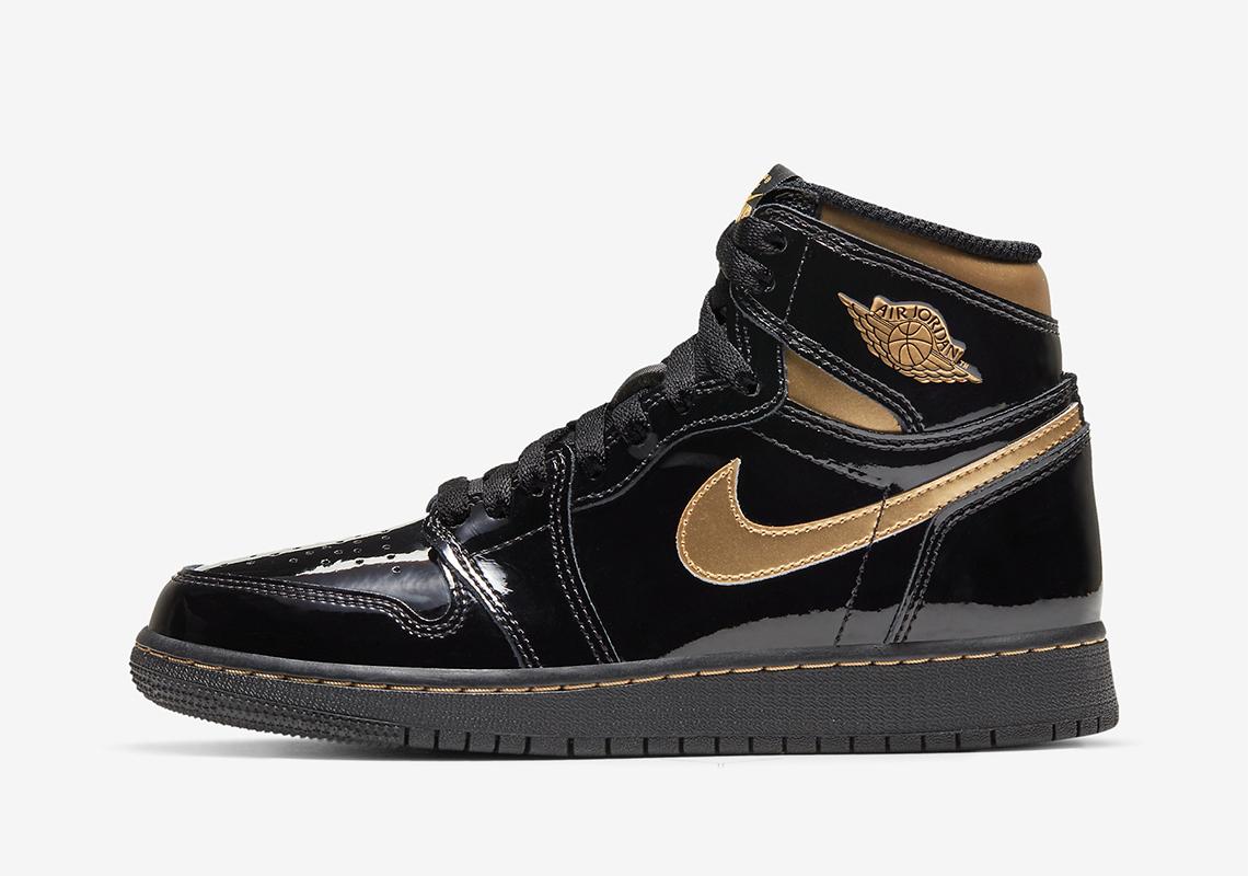 black and gold ones jordans