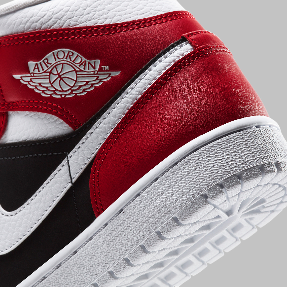 Air Jordan 1 Mid WMNS Gym Red Black BQ6472-601 | SneakerNews.com