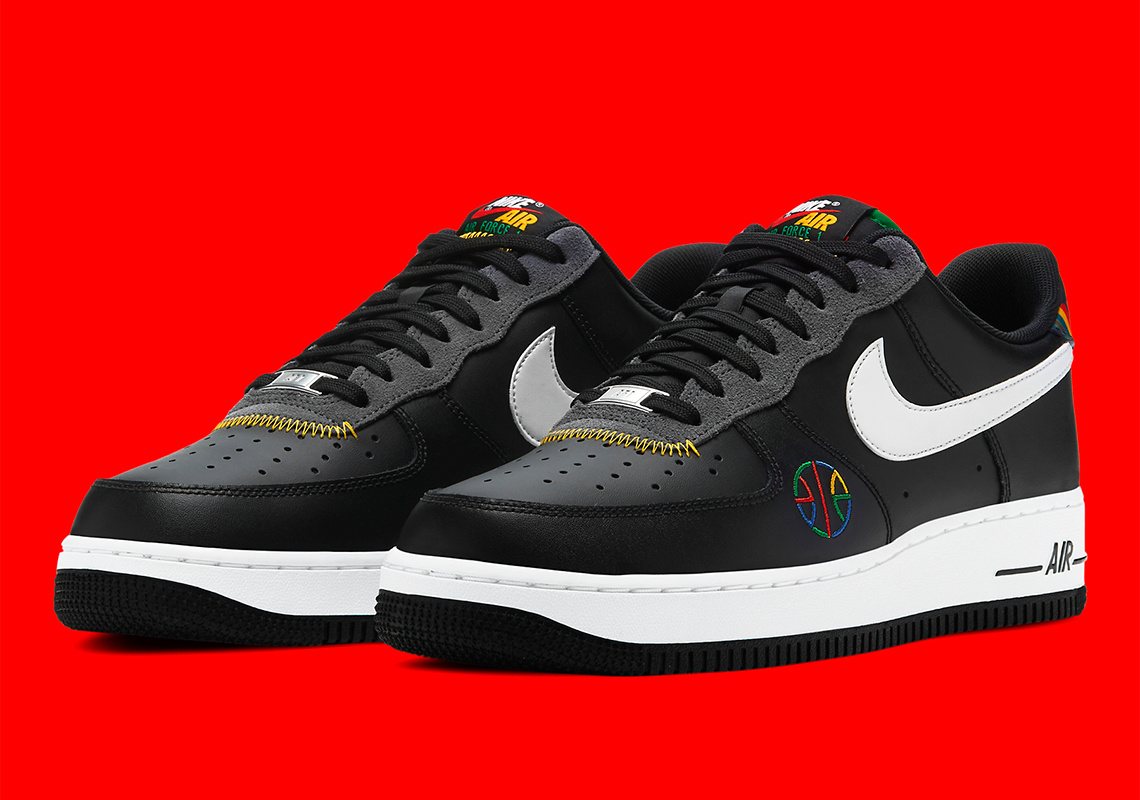moral Desviar promoción  Nike Air Force 1 Live Together Play Together DC1483-001 | SneakerNews.com