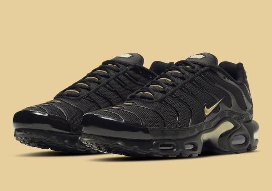 The Nike Air Max Plus Gets A Regal Black And Gold Mix