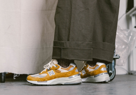 Packer Celebrates Made In USA Craftsmanship With The New Balance 992