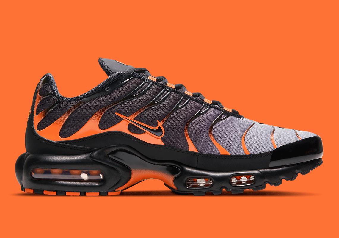 Nike Air Max Plus Black Orange DD7111-002 Release | SneakerNews.com