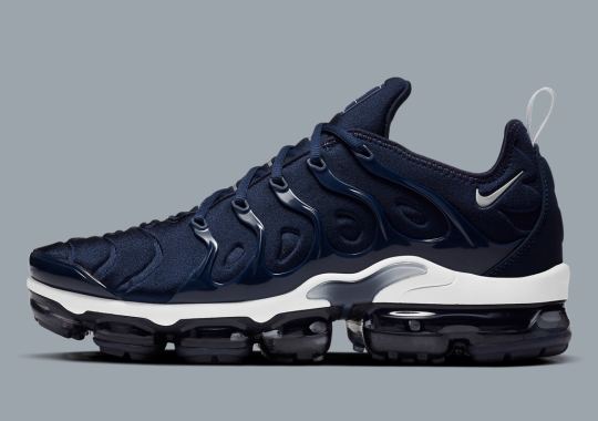 """The Nike VaporMax Plus Lays Low In """"Midnight Navy"""""""